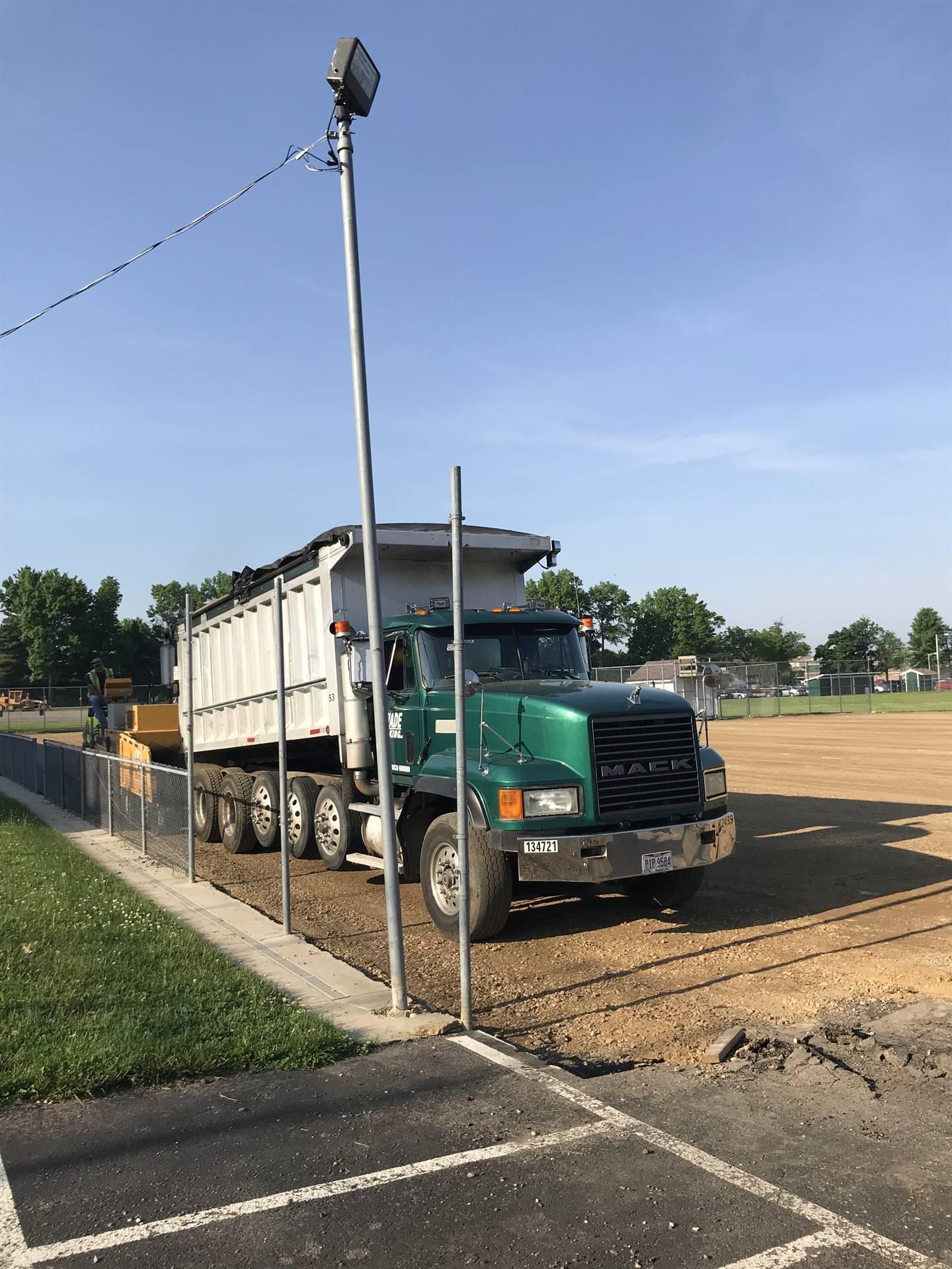 Asphalt truck