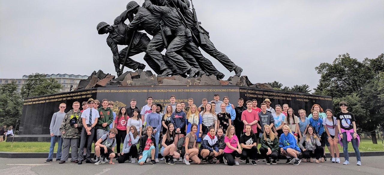 Students in front of Iwa Jima Memorial