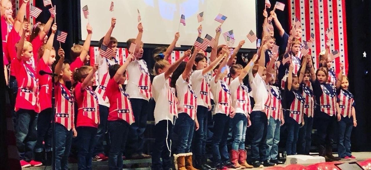 Mifflin students patriotic display