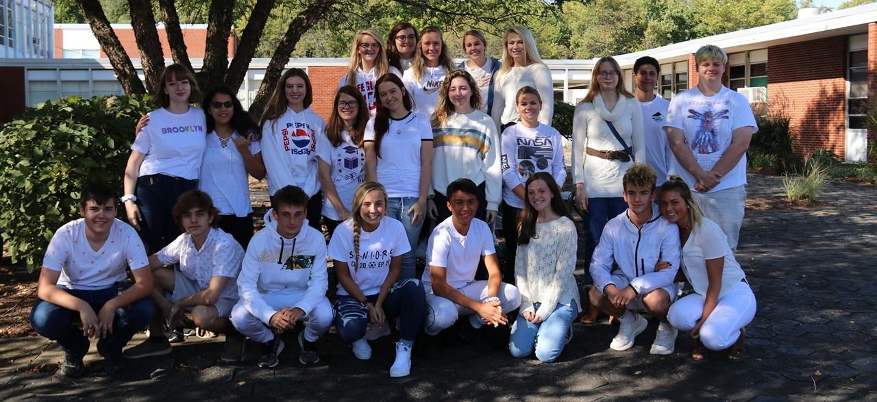 High school student color war